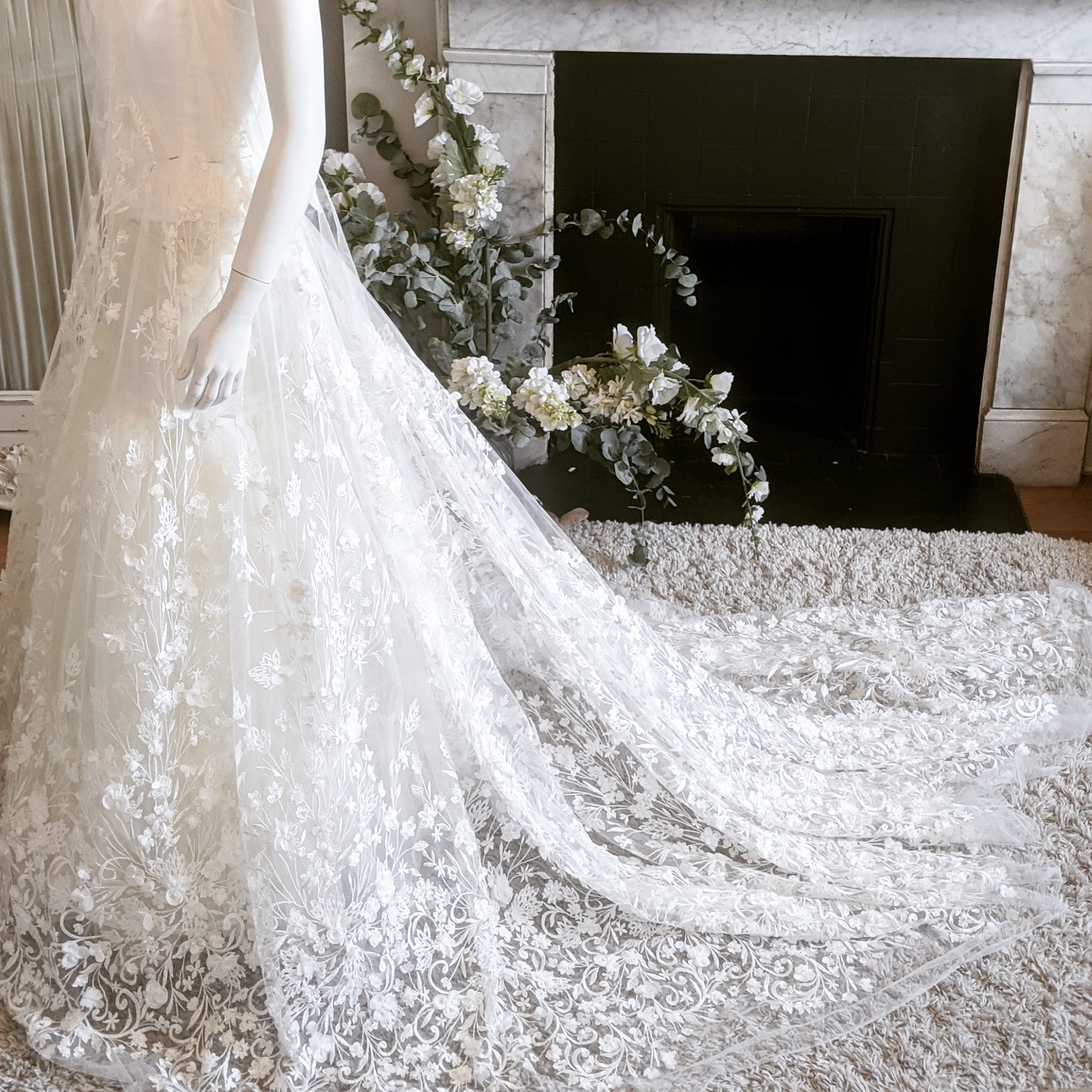 beautiful wedding dress ballgown